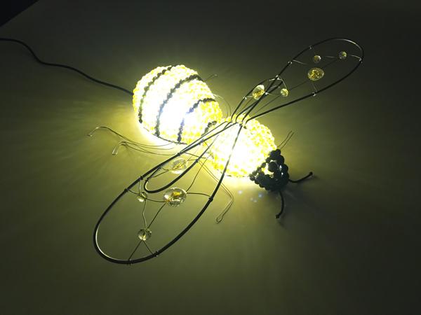 Светильник декоративный пчела